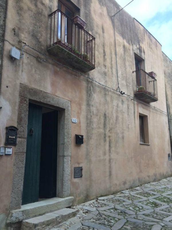 Bilocale Erice Via San Francesco 1