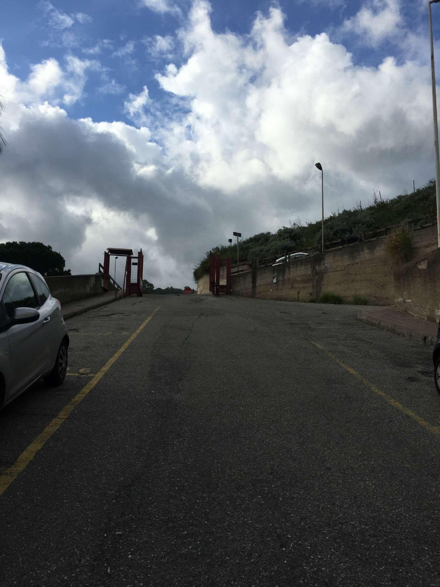 Bilocale Messina Via Del Fante 11