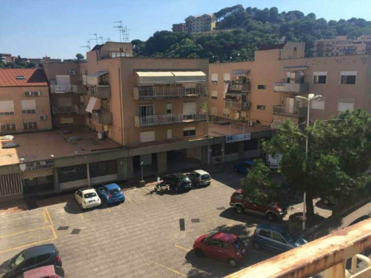 Bilocale Messina Via Del Fante 5