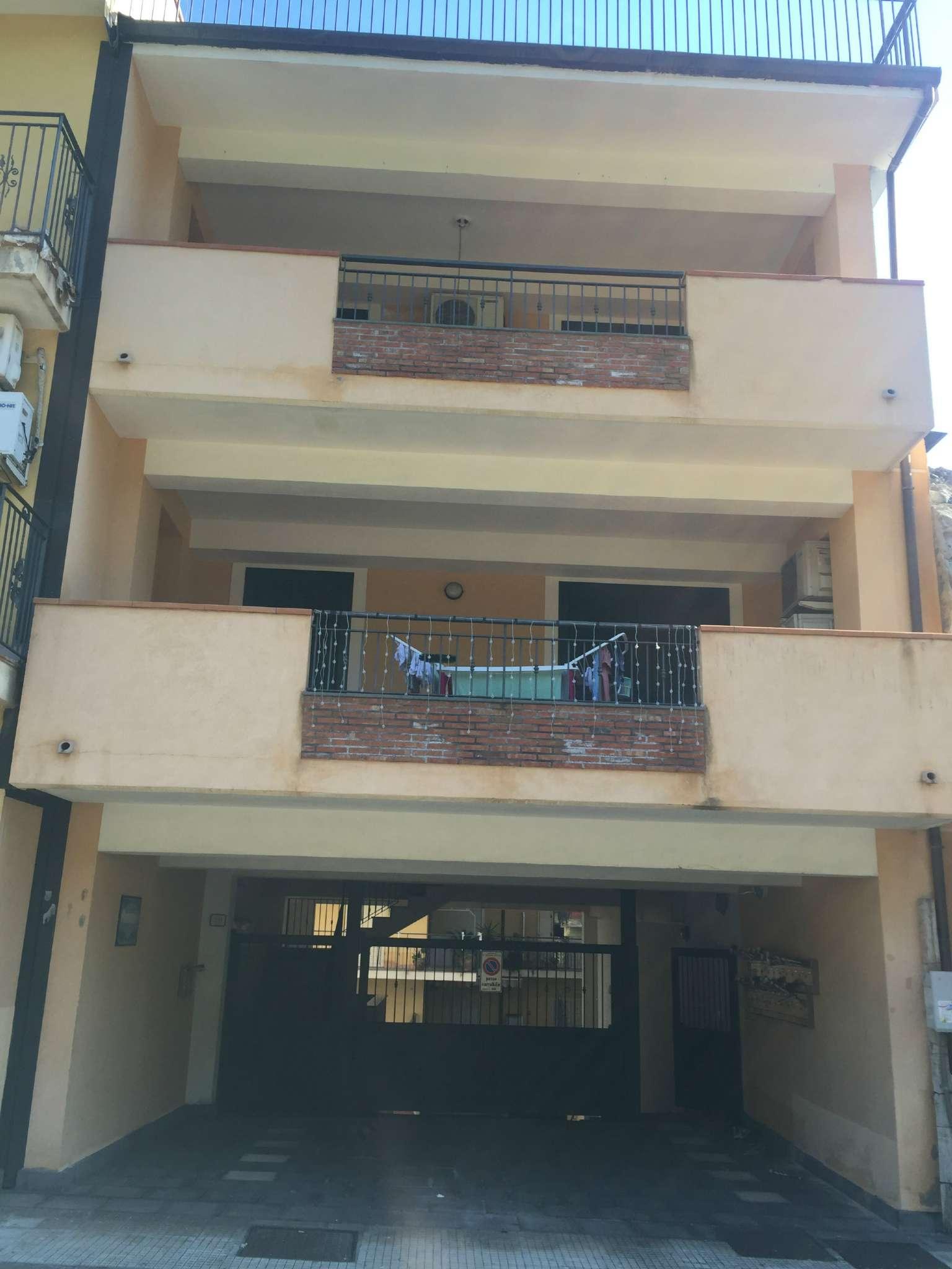 Bilocale Sant Alessio Siculo Via Consolare Valeria 13