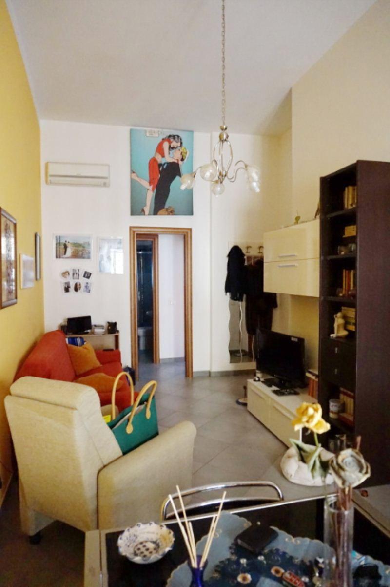 Bilocale Palermo Via Schiavuzzo 2