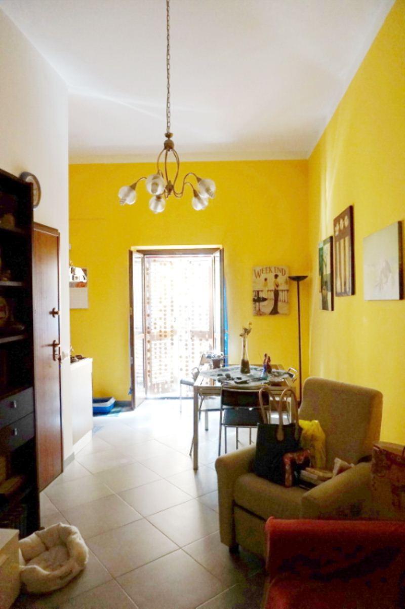 Bilocale Palermo Via Schiavuzzo 1
