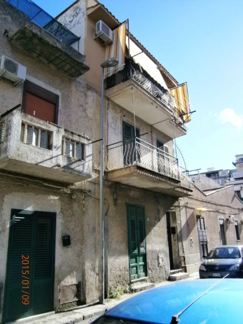 Bilocale Palermo Via Gualtiero Di Palearia 9