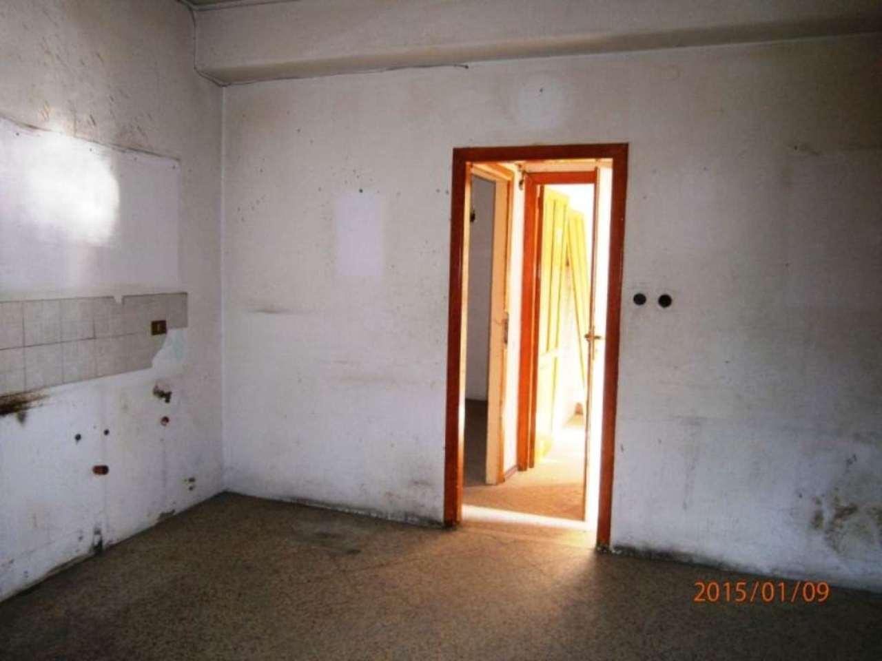 Bilocale Palermo Via Gualtiero Di Palearia 2