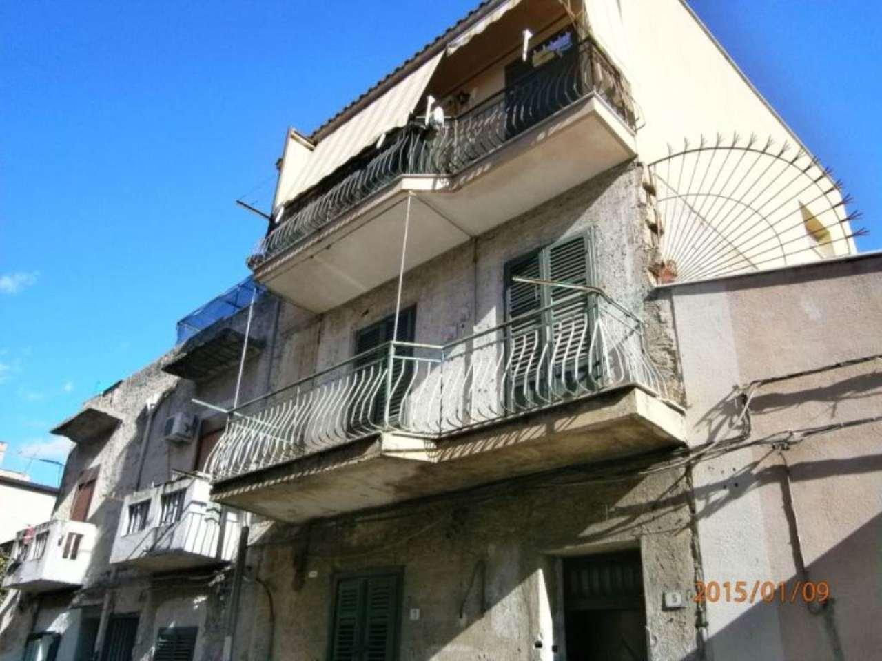 Bilocale Palermo Via Gualtiero Di Palearia 1