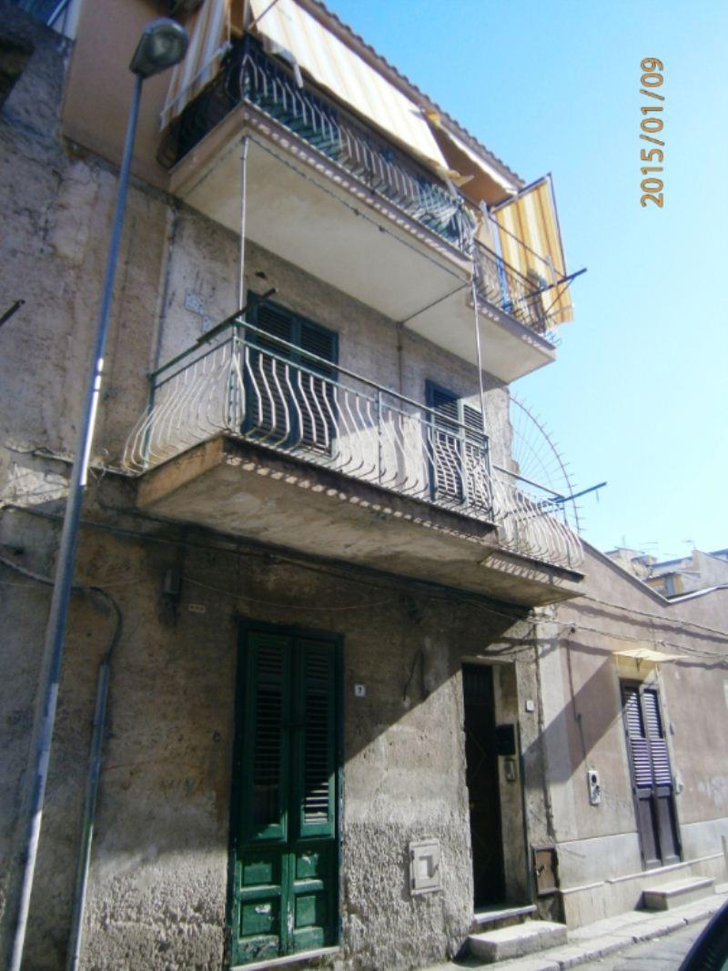 Bilocale Palermo Via Gualtiero Di Palearia 10