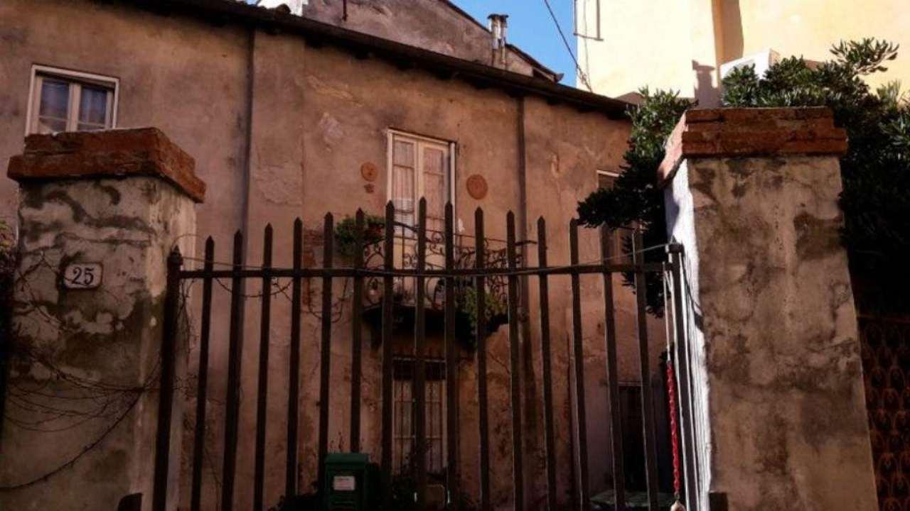 Bilocale Lucca Via Burlamacchi 10