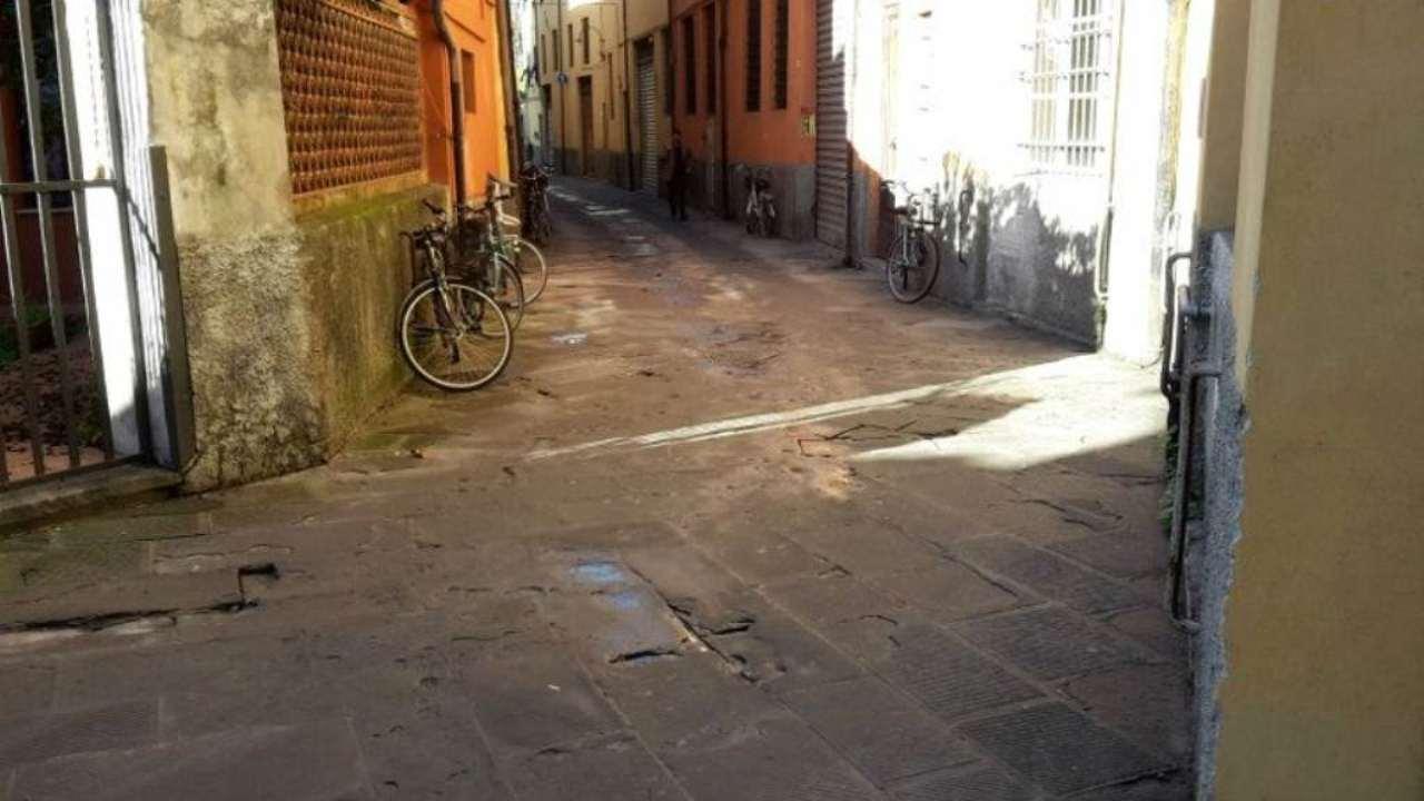 Bilocale Lucca Via Burlamacchi 9