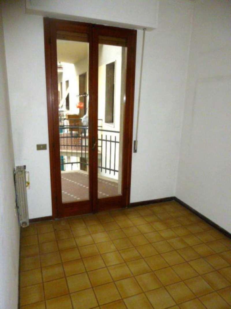 Bilocale Prato Via Ferrara 4