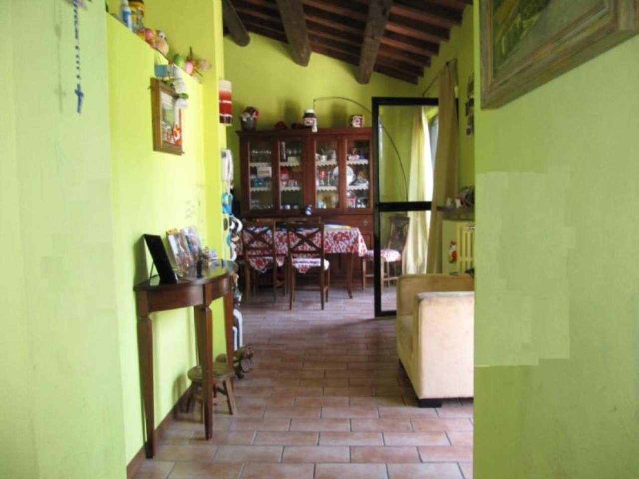 Bilocale Parma Via Case Vecchie 3