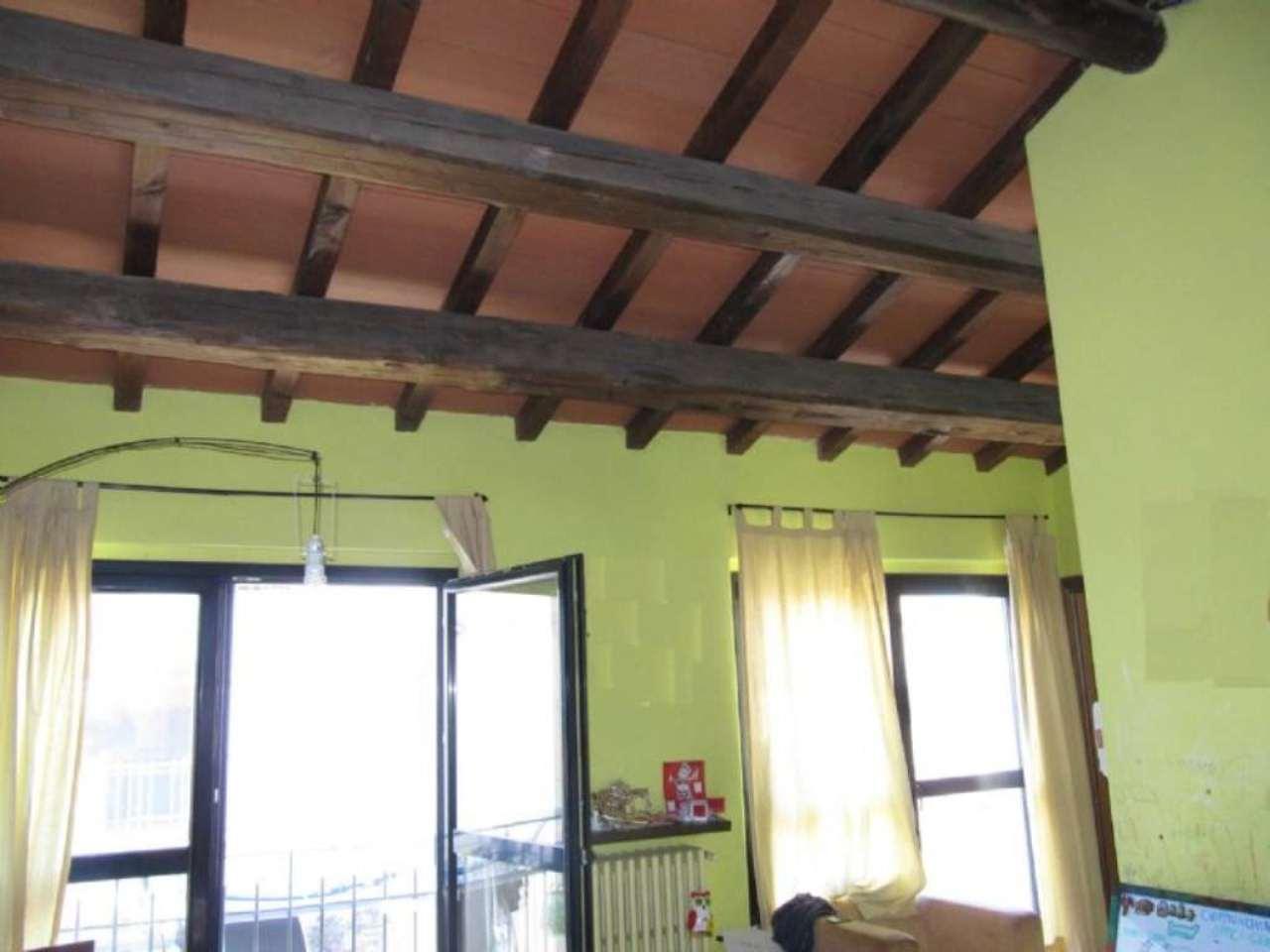 Bilocale Parma Via Case Vecchie 2