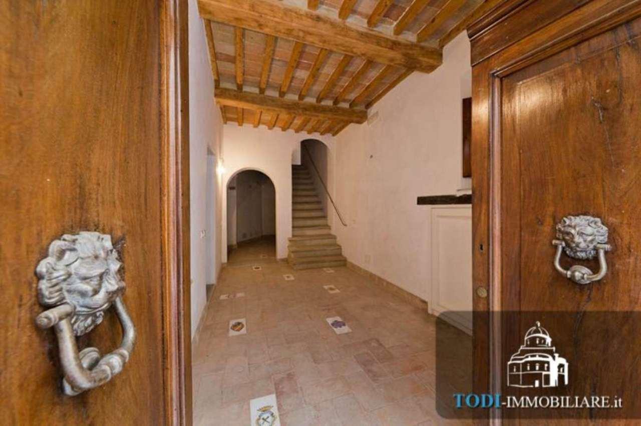Bilocale Todi Via Cesia O Della Piana 4