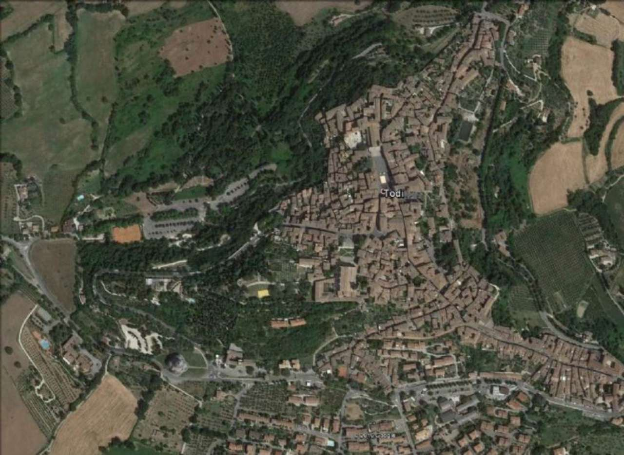Bilocale Todi Via Cesia O Della Piana 11