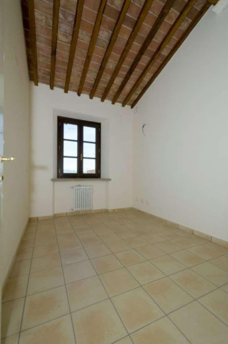 Bilocale Riparbella Via Roma 8