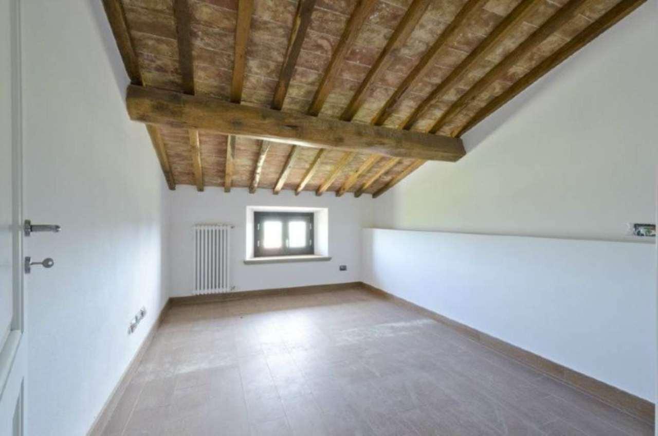 Bilocale Riparbella Via Roma 7