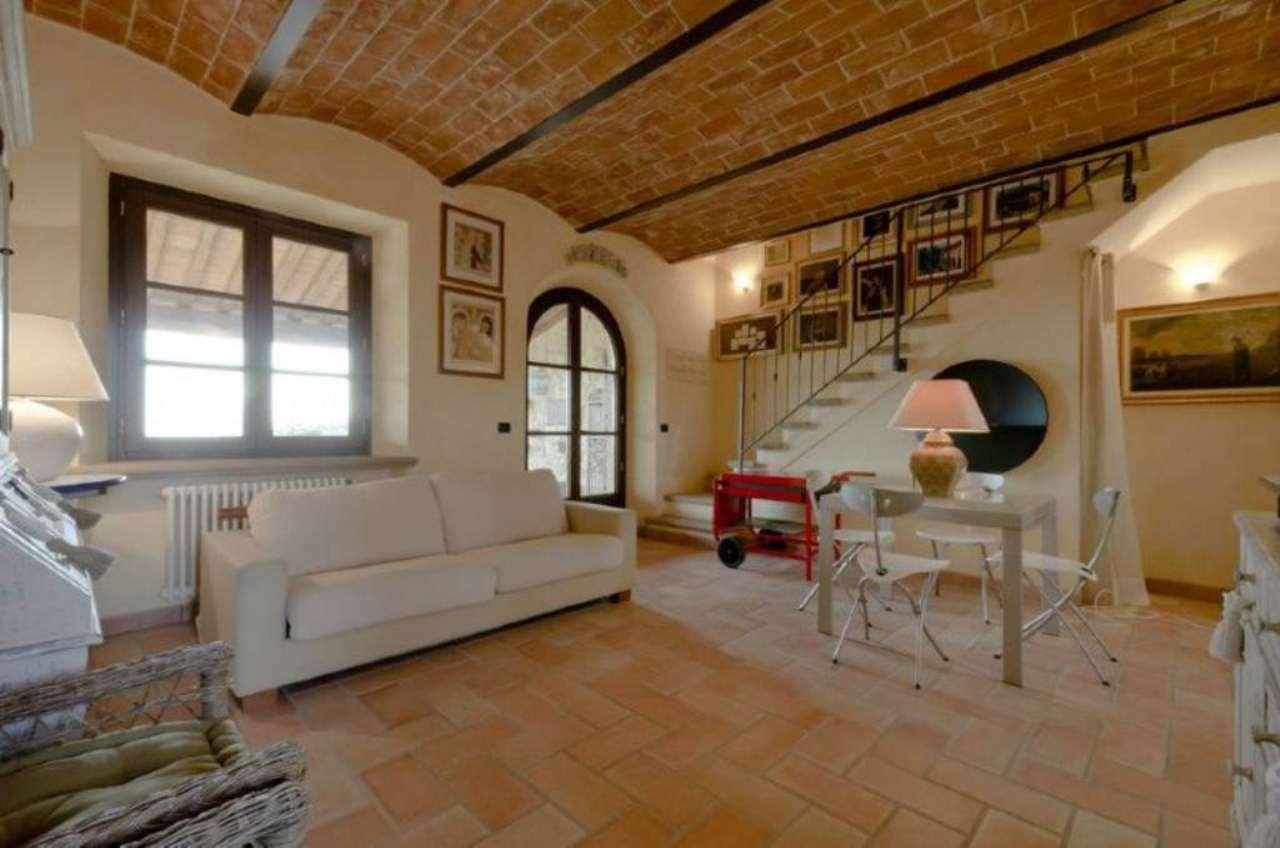 Bilocale Riparbella Via Roma 2