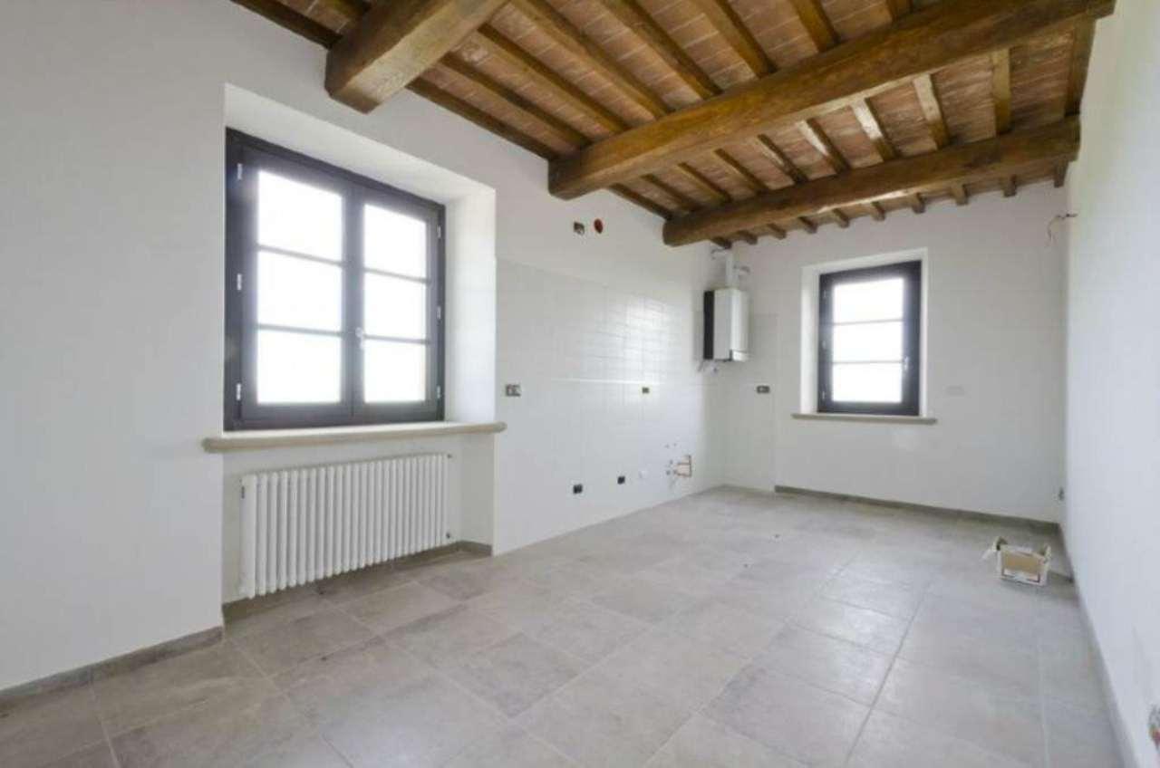 Bilocale Riparbella Via Roma 4