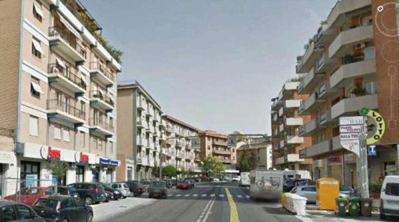 Bilocale Ancona Via Alcide De Gasperi 1