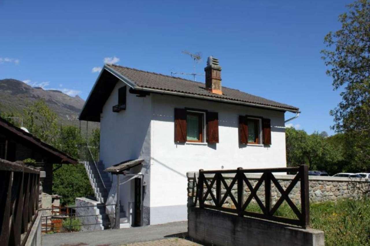 Soluzione Indipendente in vendita a Saint-Marcel, 7 locali, prezzo € 165.000 | Cambio Casa.it