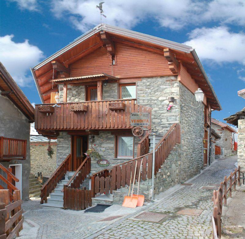 Appartamento in vendita a Antey-Saint-Andrè, 3 locali, prezzo € 140.000 | Cambio Casa.it