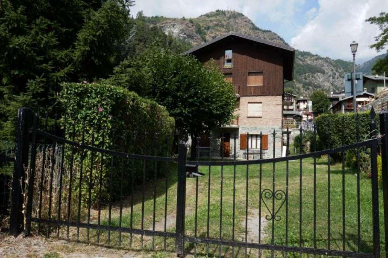 Appartamento in vendita a Antey-Saint-Andrè, 2 locali, prezzo € 120.000 | Cambio Casa.it