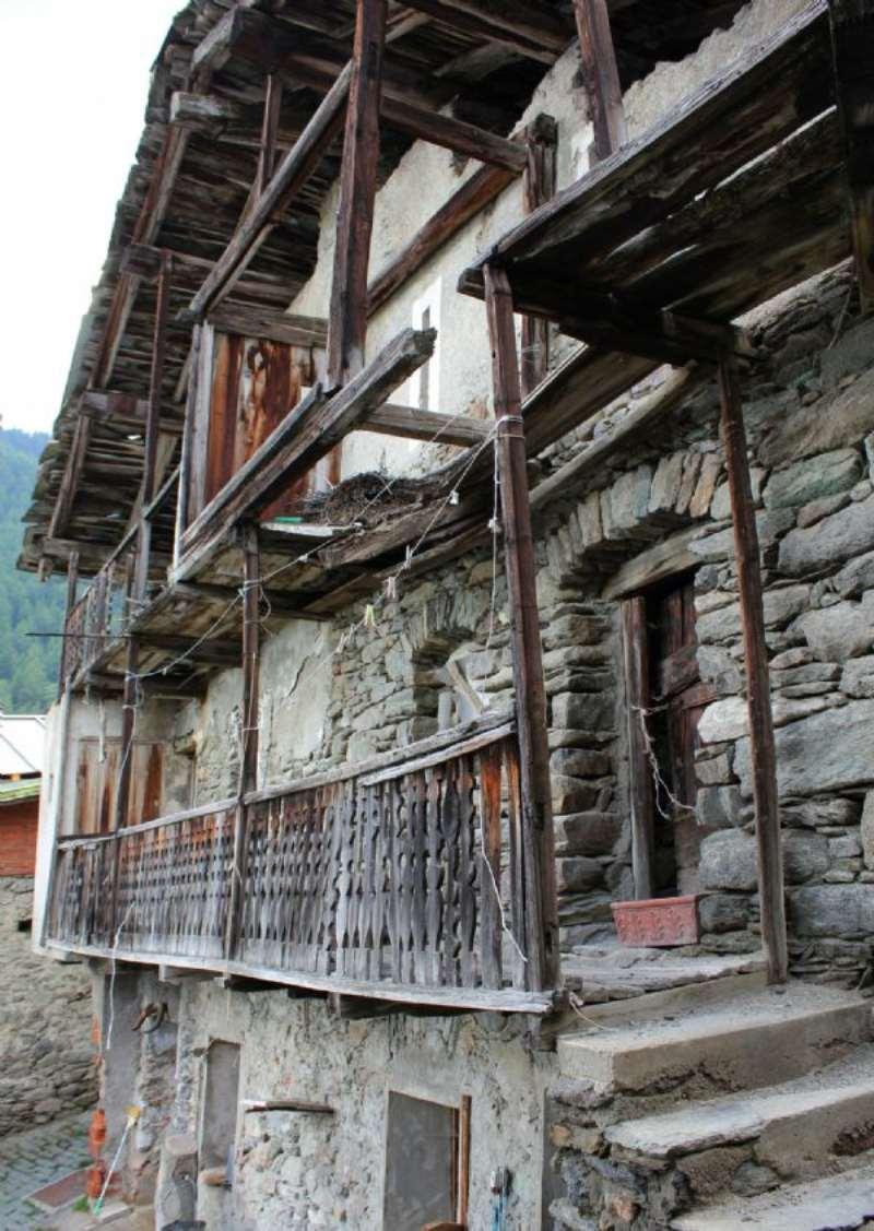 Rustico / Casale in vendita a Torgnon, 10 locali, prezzo € 80.000 | Cambio Casa.it