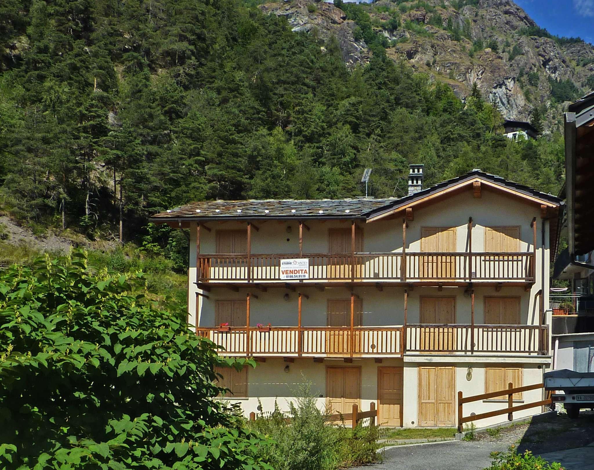 Appartamento in vendita a Antey-Saint-Andrè, 2 locali, prezzo € 194.000 | Cambio Casa.it