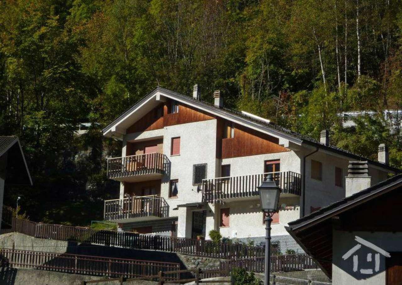 Appartamento in vendita a Antey-Saint-Andrè, 5 locali, prezzo € 130.000 | Cambio Casa.it