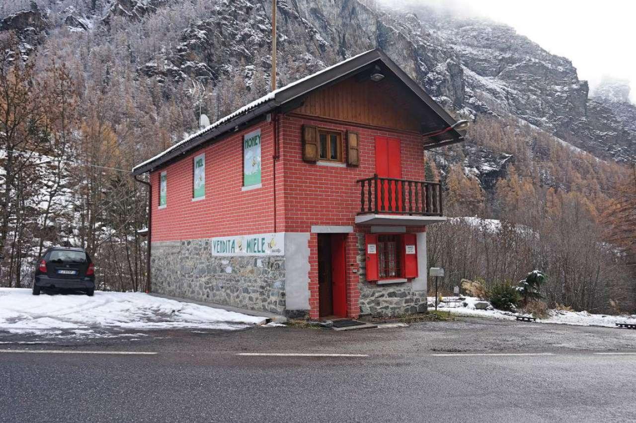 Foto 1 di Casa indipendente strada provinciale Frazione Bioley, Valtournenche