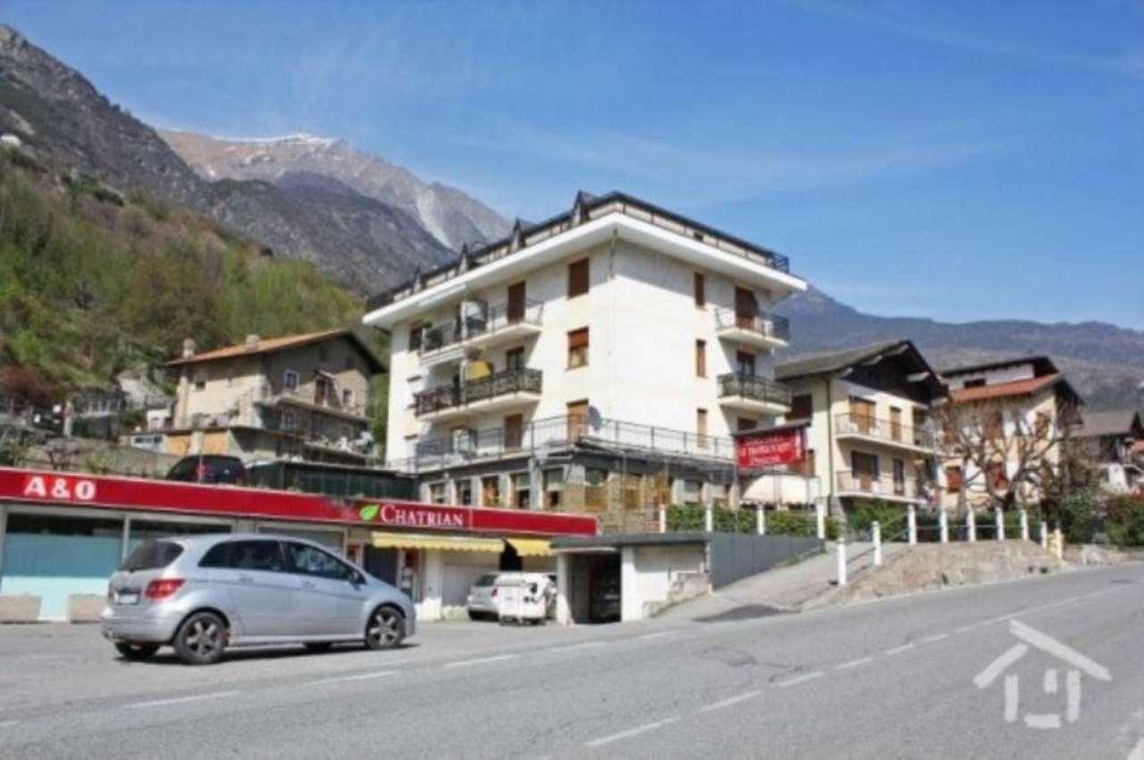 Appartamento in vendita a Chatillon, 4 locali, prezzo € 130.000 | Cambio Casa.it