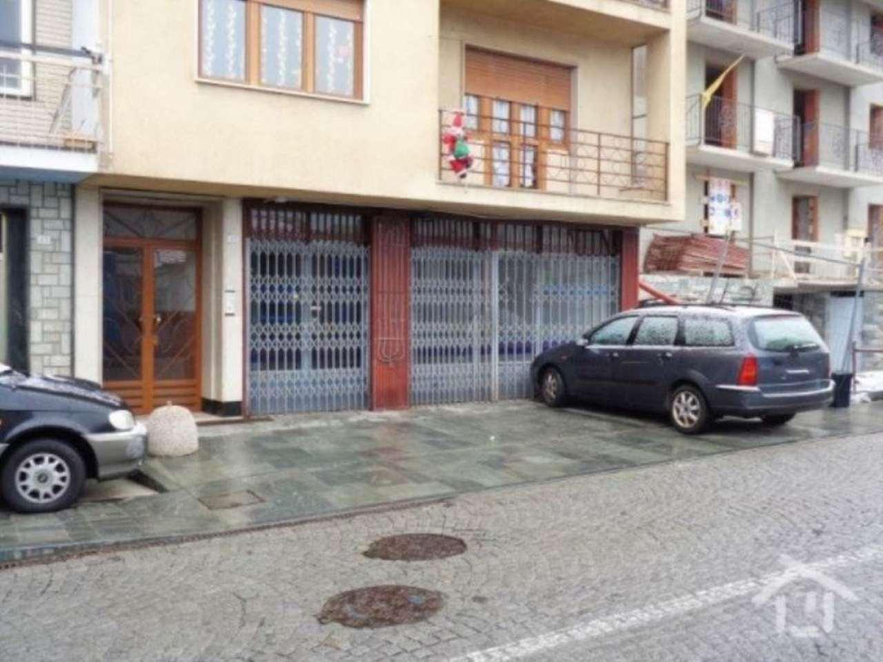 Negozio / Locale in affitto a Saint-Vincent, 3 locali, prezzo € 600 | Cambio Casa.it