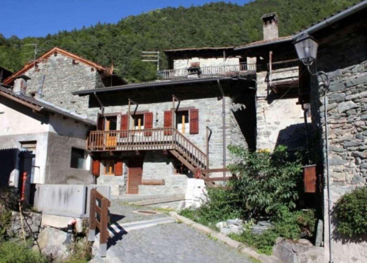 Soluzione Indipendente in vendita a Antey-Saint-Andrè, 6 locali, prezzo € 240.000 | Cambio Casa.it