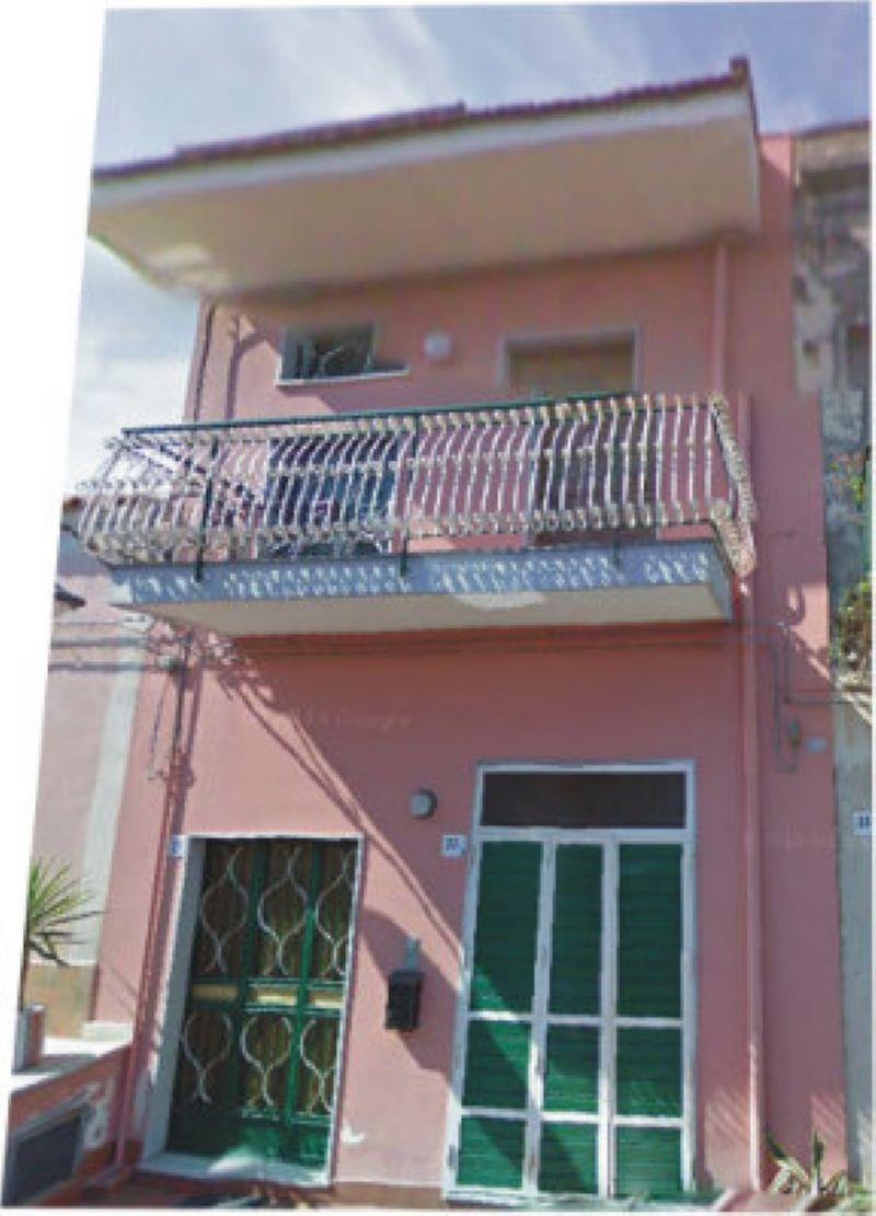 Attico / Mansarda in vendita a Acireale, 2 locali, prezzo € 48.000   Cambio Casa.it