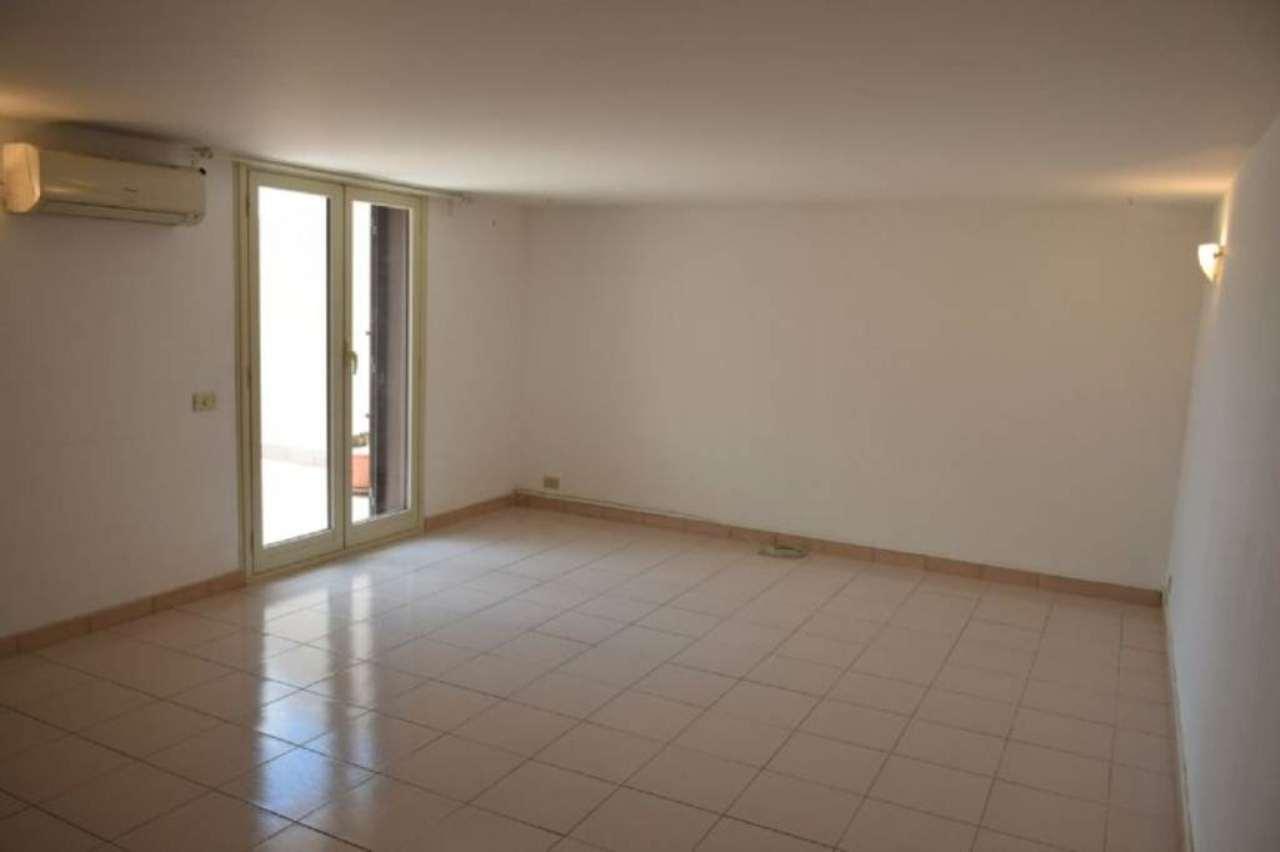 Attico / Mansarda in affitto a Viagrande, 9999 locali, prezzo € 500 | Cambio Casa.it