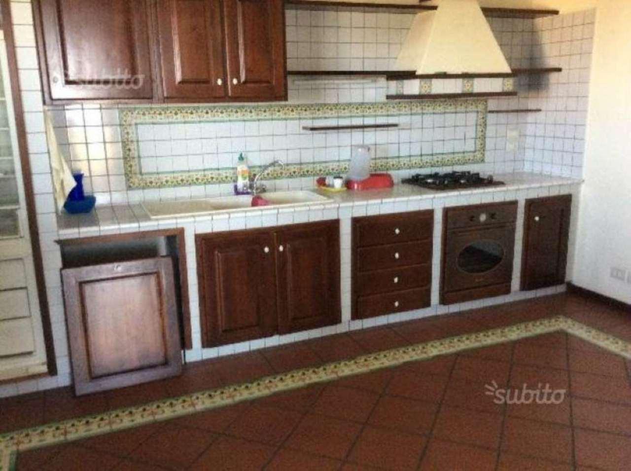 Attico / Mansarda in affitto a Sant'Agata Li Battiati, 9999 locali, prezzo € 800 | Cambio Casa.it