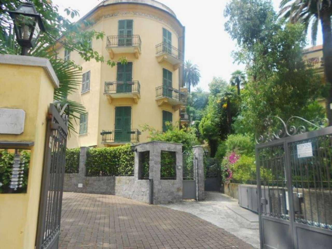 Appartamento in vendita a Rapallo, 4 locali, prezzo € 750.000 | CambioCasa.it