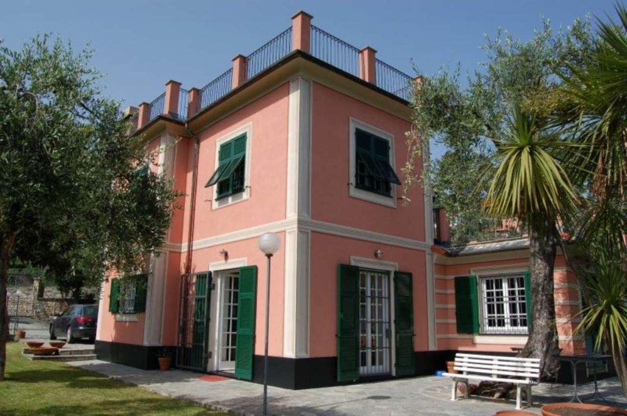 Villa in vendita a Rapallo, 8 locali, prezzo € 999.000 | CambioCasa.it