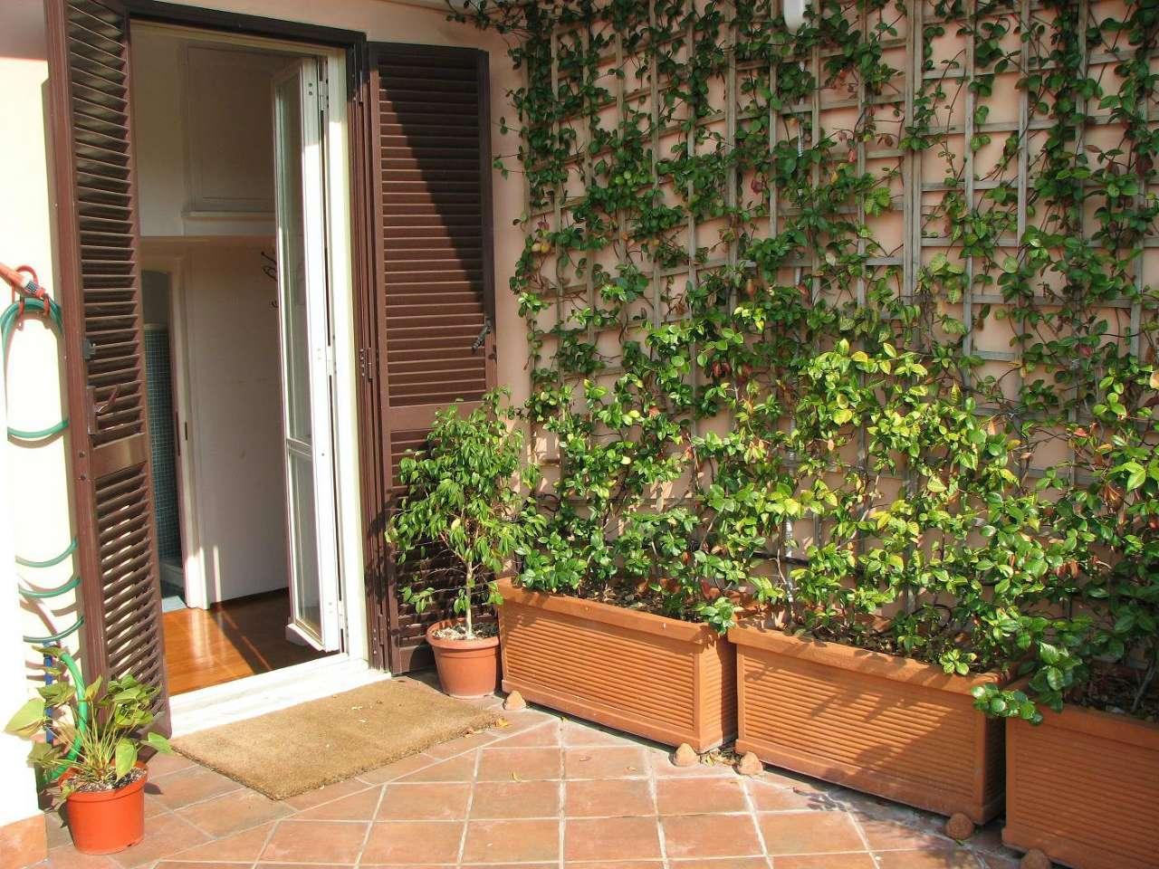 Attico / Mansarda in affitto a Roma, 2 locali, zona Zona: 30 . Prati, Borgo, San Pietro, prezzo € 900   Cambio Casa.it