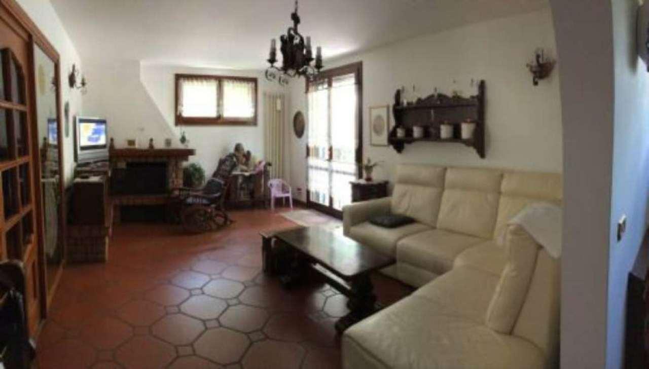 Soluzione Indipendente in vendita a Sala Bolognese, 9 locali, prezzo € 300.000 | CambioCasa.it