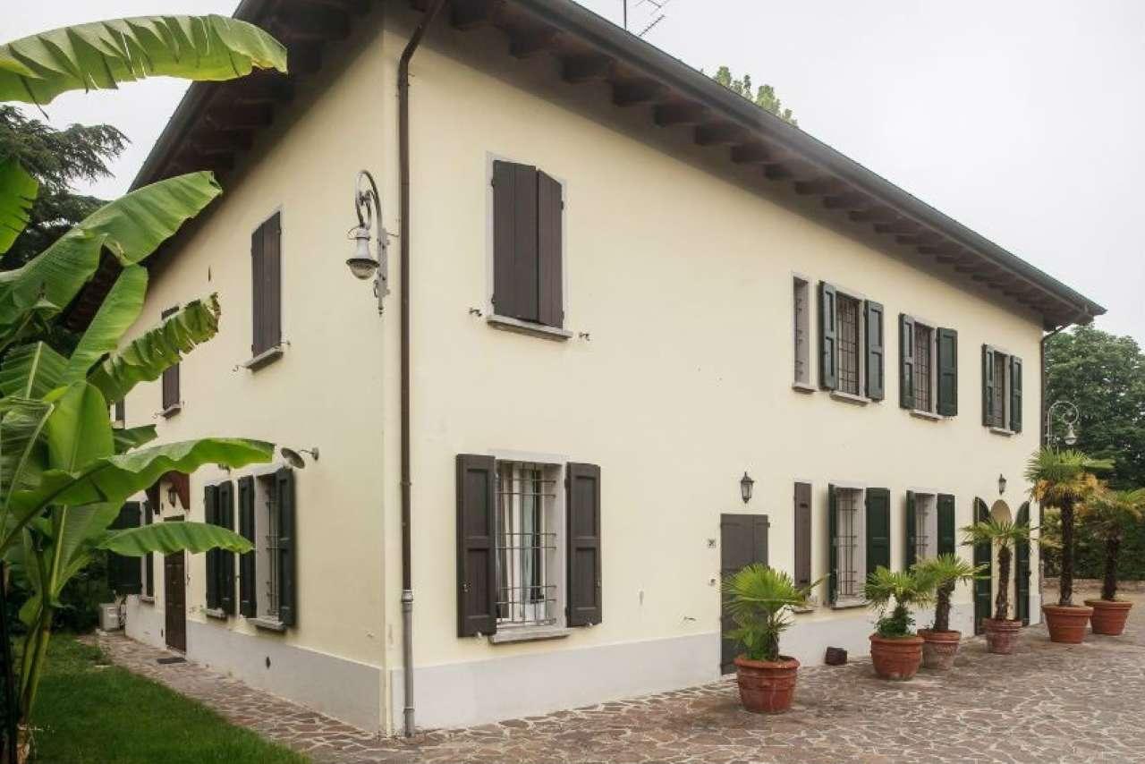Villa in vendita a Zola Predosa, 10 locali, prezzo € 1.150.000 | CambioCasa.it