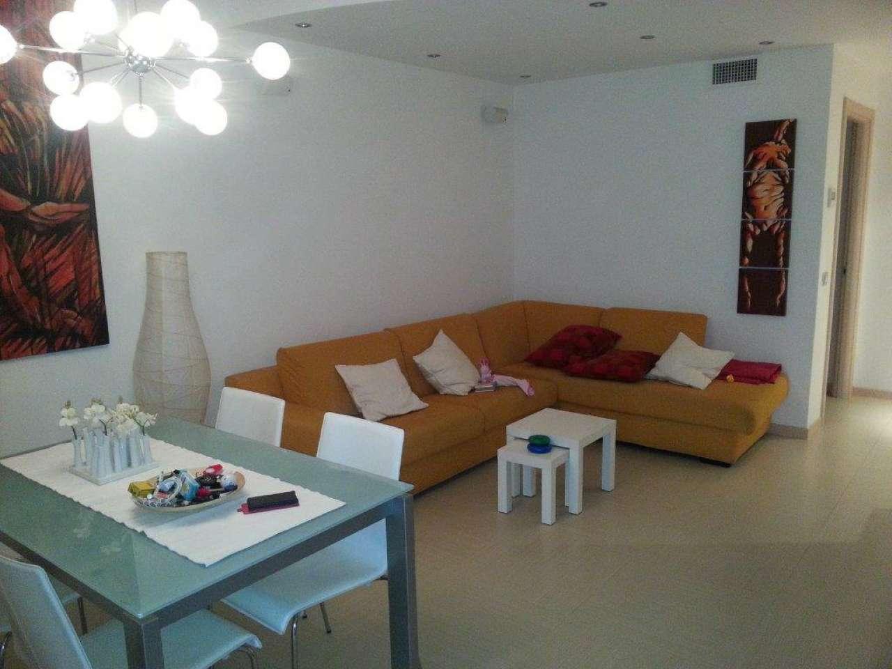 Appartamento in vendita a Modena, 5 locali, prezzo € 195.000 | Cambio Casa.it
