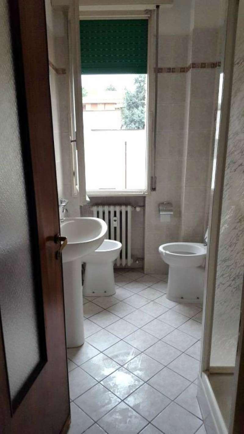 Appartamento in vendita a Modena, 5 locali, prezzo € 135.000 | Cambio Casa.it
