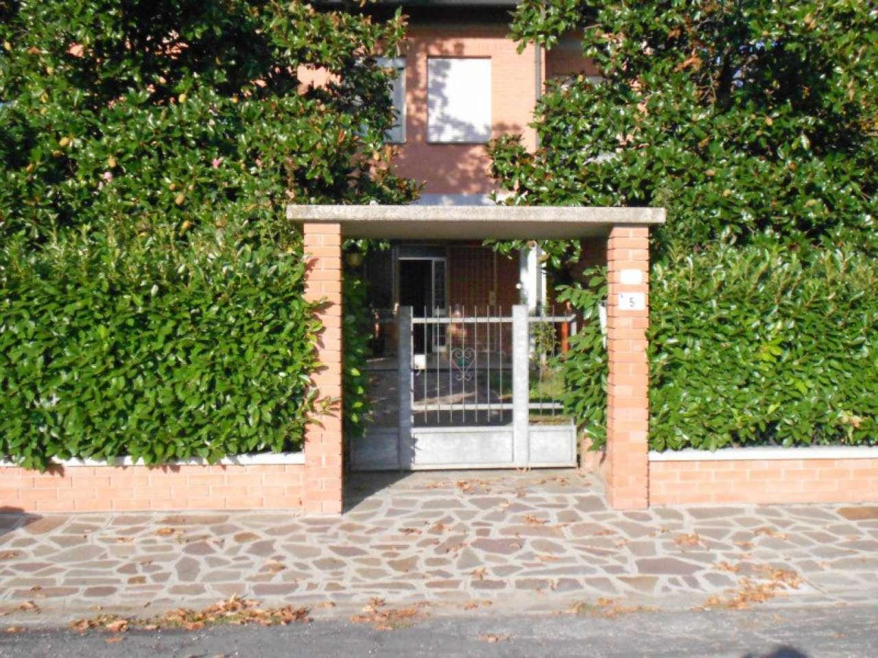 Villa in vendita a Castelfranco Emilia, 10 locali, prezzo € 375.000 | Cambio Casa.it