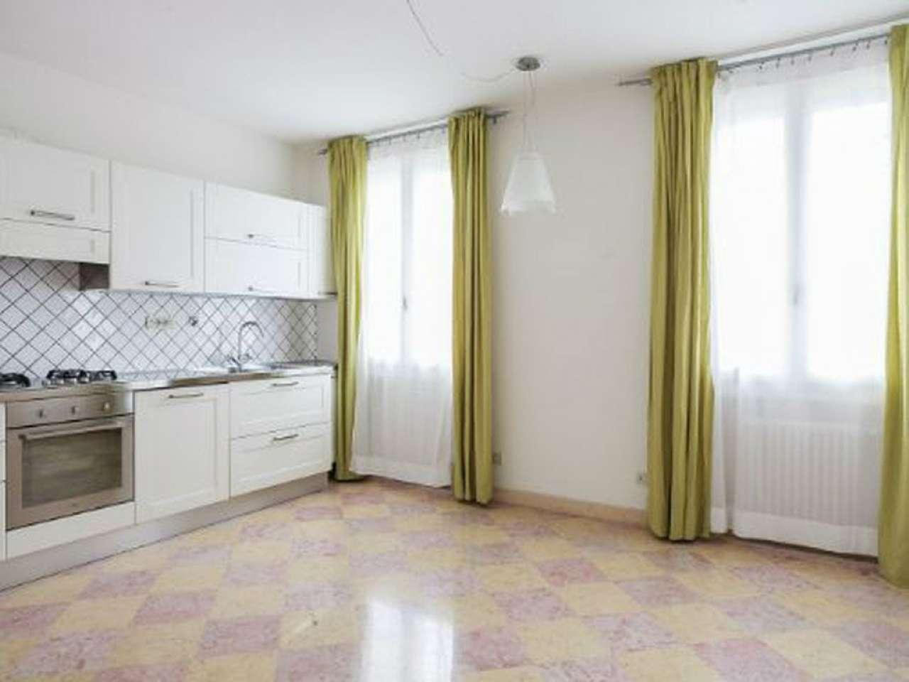 villa casa affitto bologna di metri quadrati 450 prezzo 2500 nella zona di borgo panigale rif 12