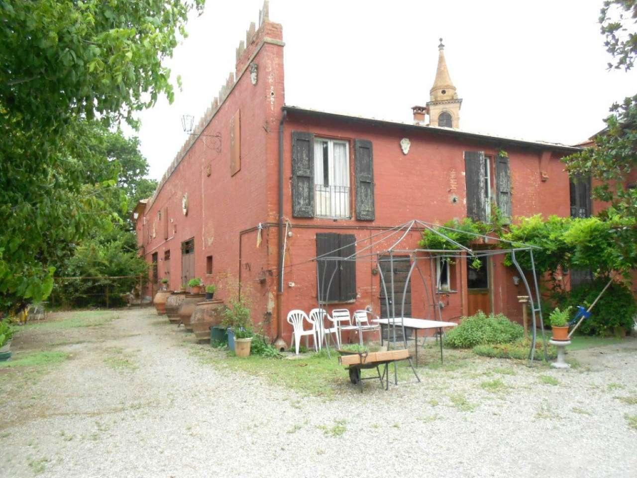 Rustico / Casale in vendita a Sala Bolognese, 10 locali, prezzo € 600.000 | CambioCasa.it