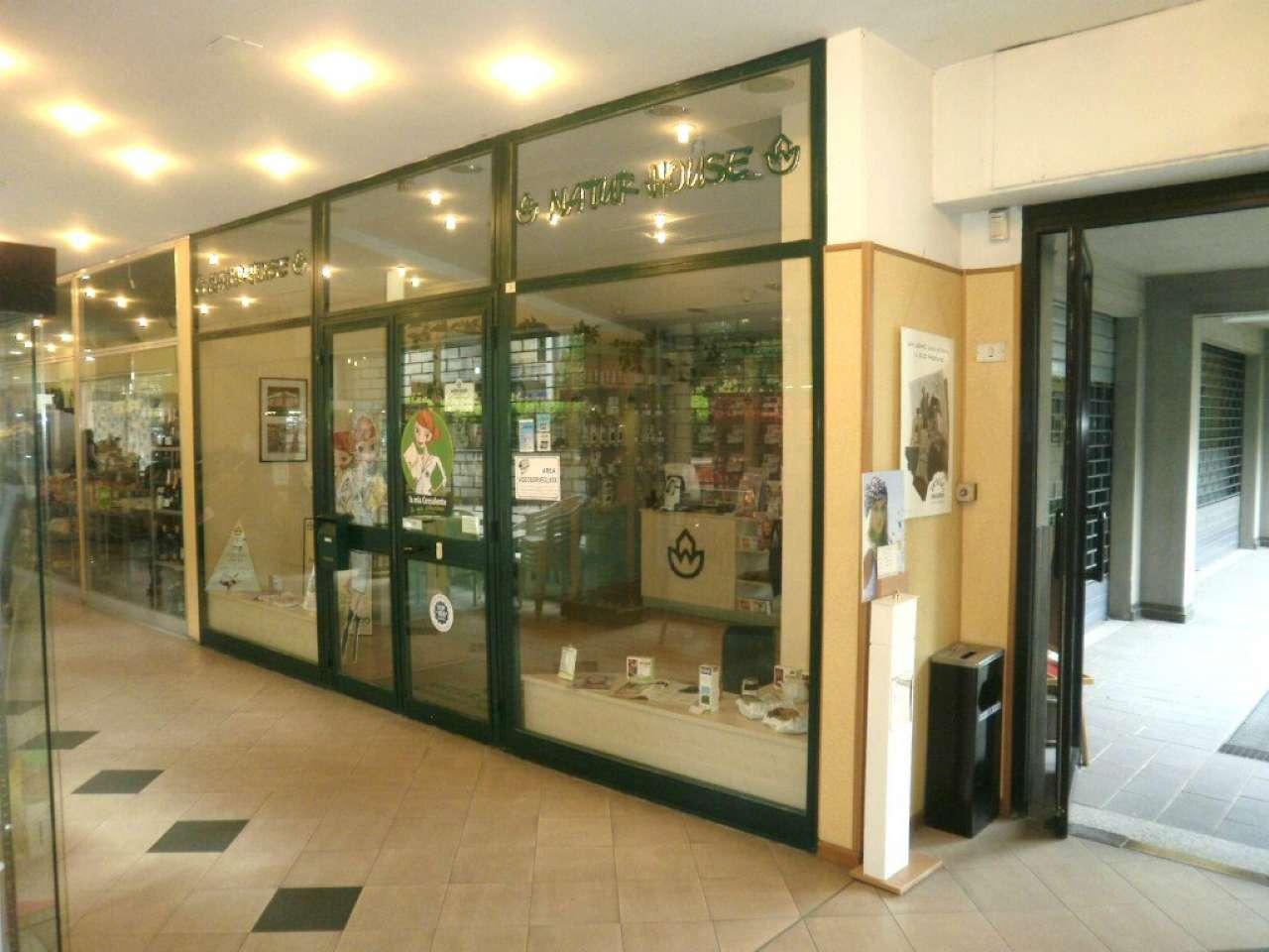 Negozio / Locale in affitto a Bologna, 2 locali, zona Zona: 7 . Savena, Mazzini, Fossolo, Bellaria, prezzo € 850   CambioCasa.it