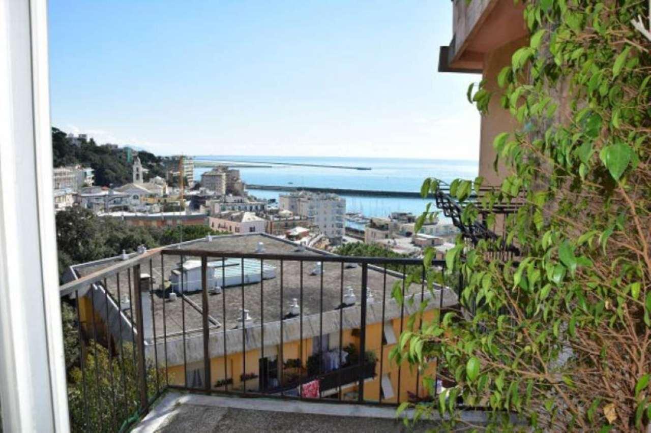 Bilocale Genova Via Gavino 3