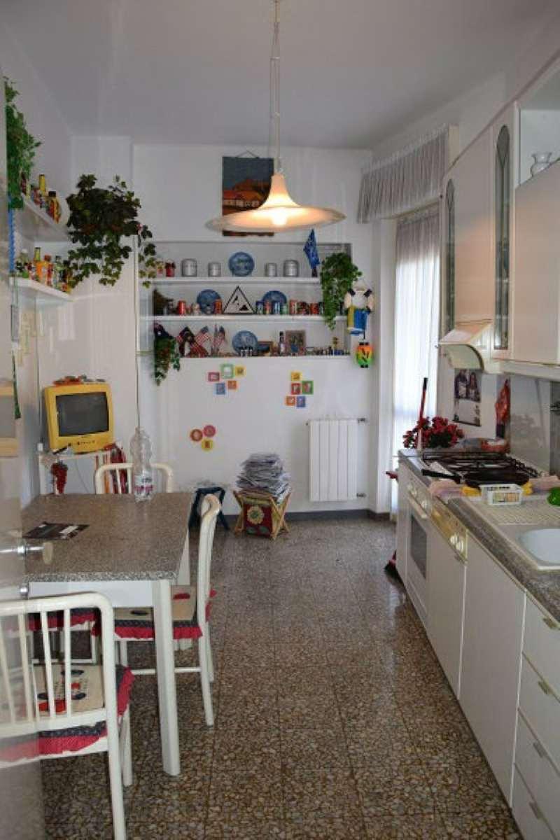 Bilocale Genova Via Gavino 8