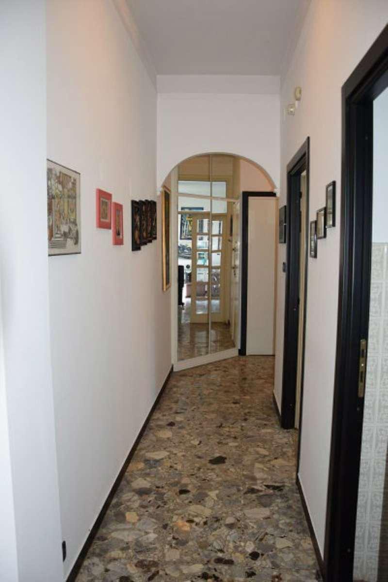 Bilocale Genova Via Gavino 12