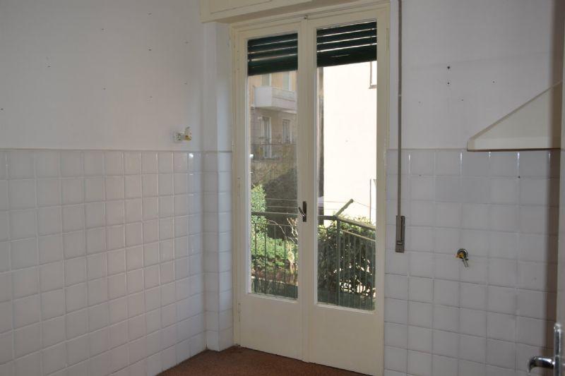 Bilocale Genova Via Vespucci 4